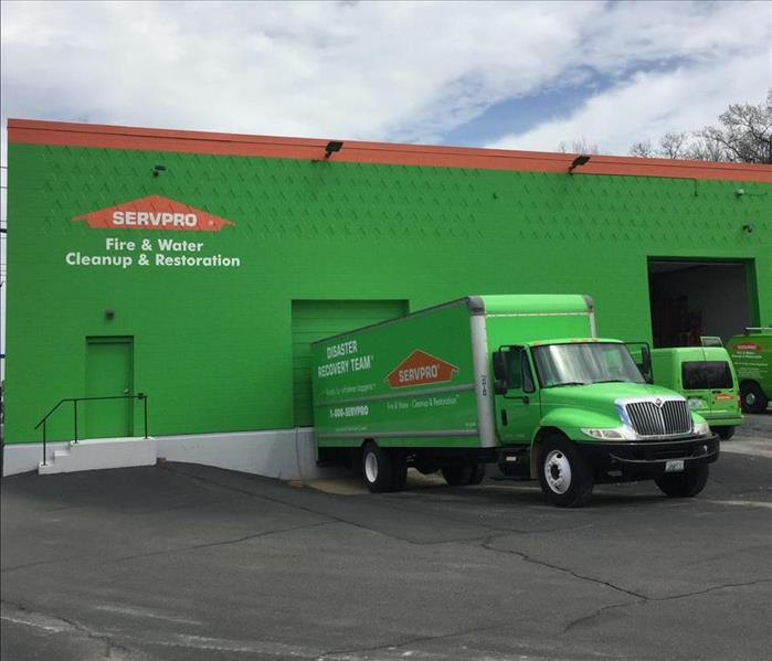 Why SERVPRO Why Settle for a Player When You Can Have a Team?